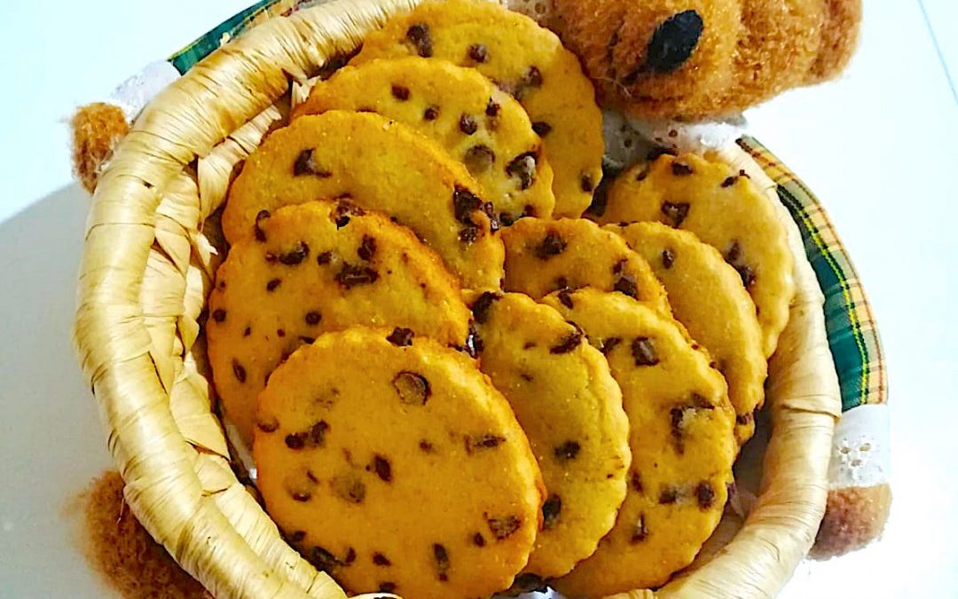 Biscotti con farina di fagioli bio e gocce di cioccolato